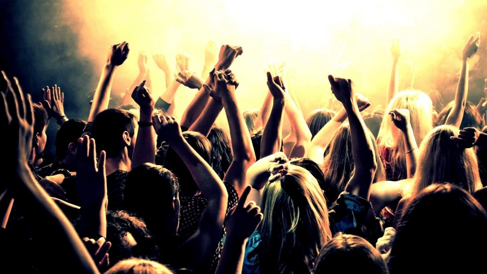 Partying-people-full-hd-wallpaper
